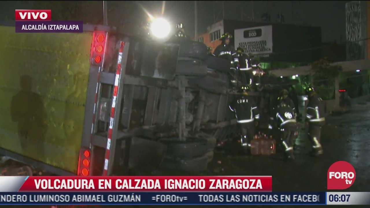 vuelca trailer sobre avenida ignacio zaragoza cdmx