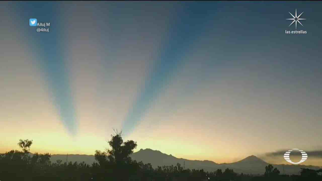 amanecer azul en el valle de mexico