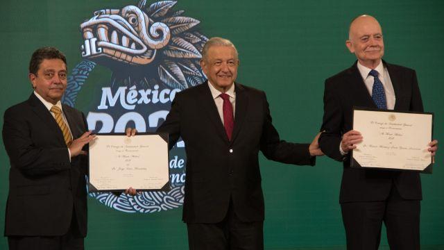 AMLO entrega reconocimientos al Mérito Médico 2021