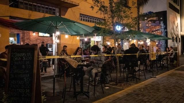 Antros y bares de CDMX no respetan medidas sanitarias; superan aforo y horario