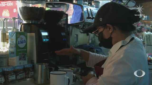 cafeteria emplea a personas con sindrome de down