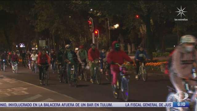ciclistas realizan rodada disfrazados por dia de muertos en cdmx