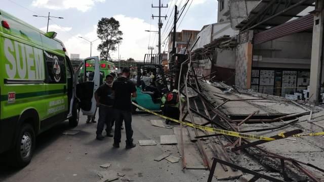 Desplome en tienda de materiales de construcción sobre Avenida Central (Twitter: @alertasurbanas)