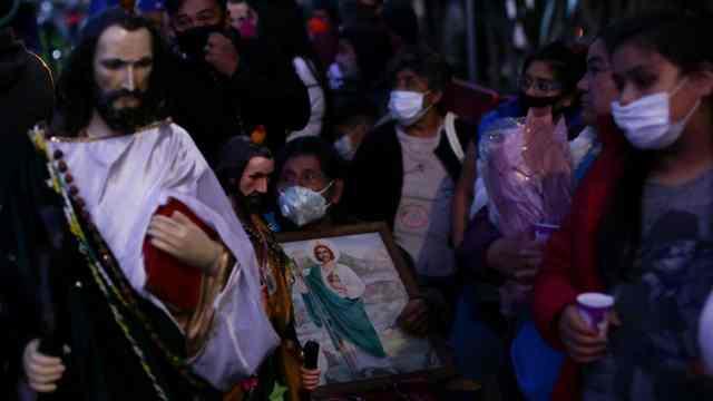 Fieles de San Judas Tadeo inician festejo en San Hipólito, CDMX; se esperan miles