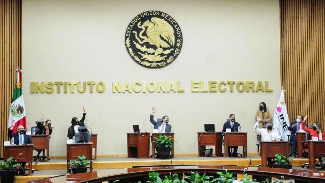 Sesión extraordinaria en el INE este domingo.