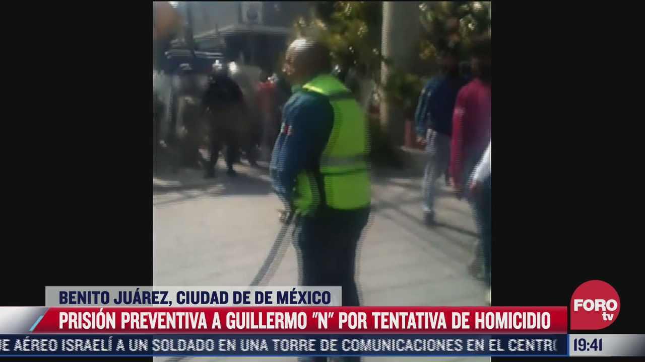 investigan a manifestante que rocio gas contra policias en cdmx