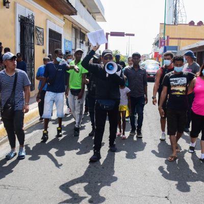 Migrantes saldrán en caravana de Chiapas a CDMX