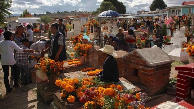 Oaxaca mantendrá cerrados los panteones durante celebraciones de Día de Muertos