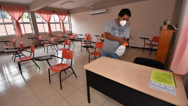 Sinaloa suspende clases por huracán Pamela