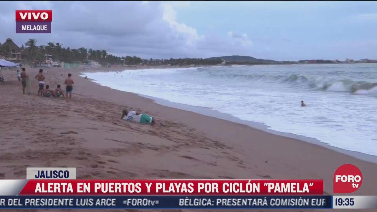turistas ingresan a las playas de jalisco pese a la alerta por la cercania de pamela