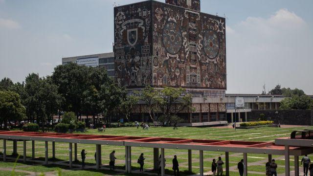 Al menos 360 mil estudiantes y 30 mil docentes llevaron a cabo e regreso a clases de la UNAM de forma remota. En Ciudad Universitaria la rectoría está abierta solo para trámites administrativos.