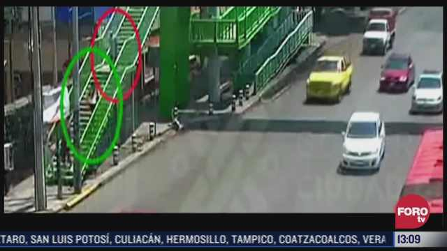video asaltan a mujer en puente peatonal en cdmx
