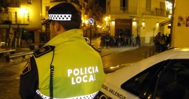 """L'alcalde de Valencia Joan Ribo fa una crida al civisme i activa l'Observatori de l'Oci per buscar solucions """"pactades"""" per a combatre el botellot"""