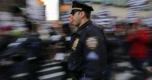 """4 razones que explican la drástica caída de la delincuencia en Nueva York, la ciudad que pasó de """"pesadilla violenta"""" a modelo de seguridad"""