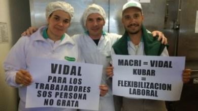 Photo of Congelarán por un año los salarios en la industria láctea