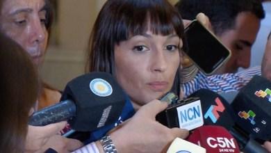 Photo of Mayra Mendoza durísima con Carrió: «Hace show media hora y se va, no trabaja»