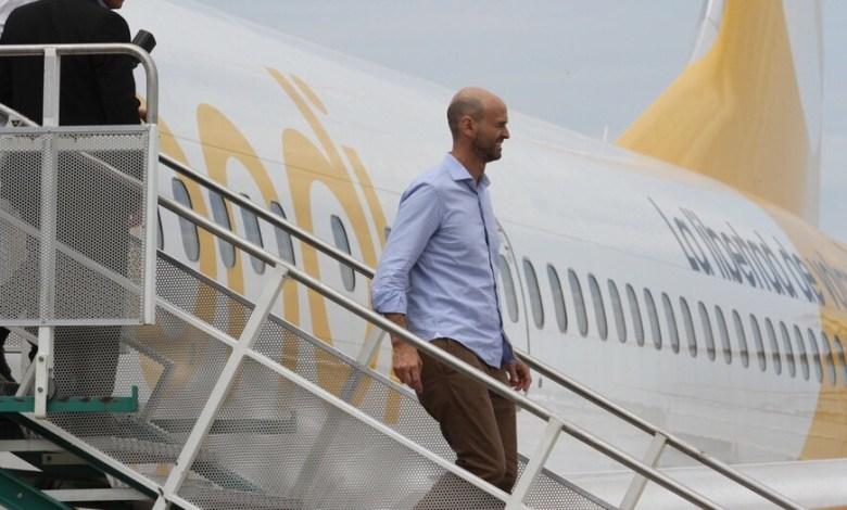 Photo of El Gobierno le entregará rutas internacionales a Flybondi