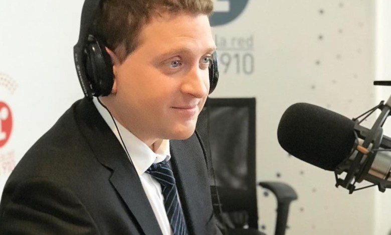 "Photo of Jonatan Viale: ""Salteemos la grieta ideológica para informar"""