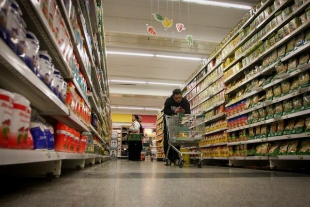 Photo of El INDEC publicó que a inflación de octubre fue del 3,3% y encendió la polémica