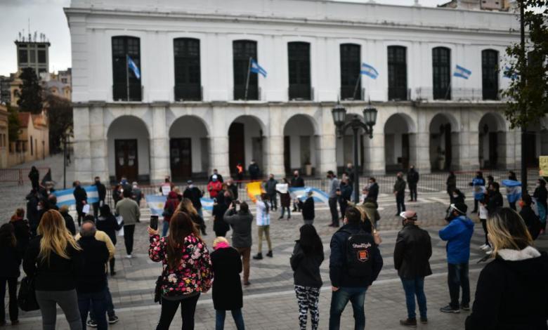 Photo of Sorpresiva movilización en contra de la cuarentena en Córdoba