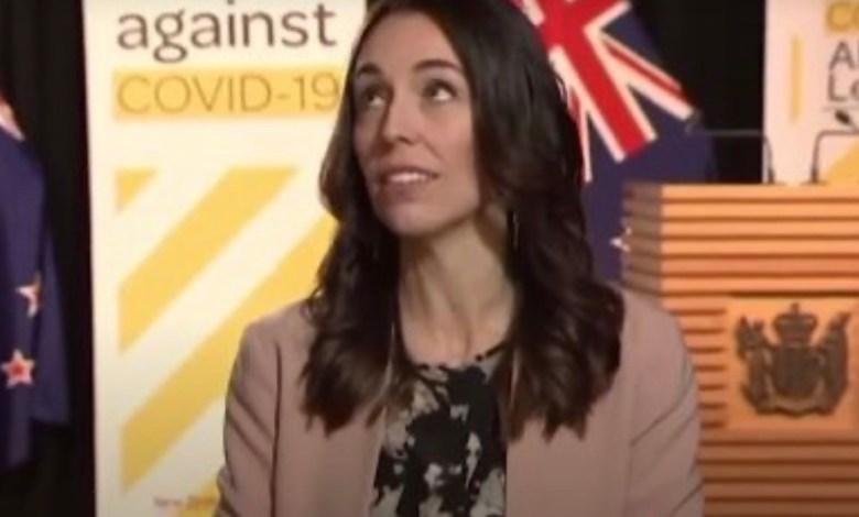 Photo of La increíble reacción de la primera ministra de Nueva Zelanda durante un terremoto