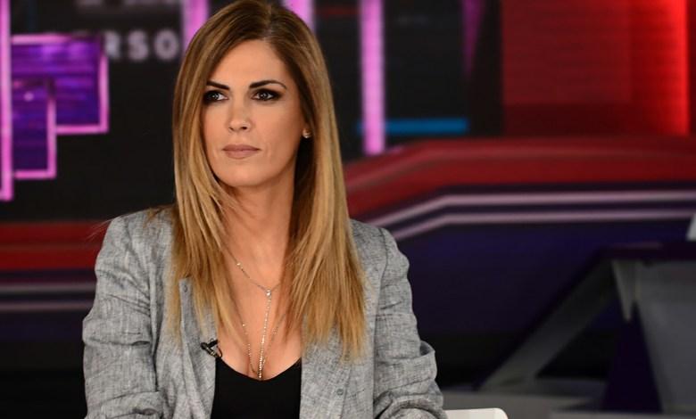 Prestigiosa agencia internacional tuvo que salir a desmentir a Viviana Canosa