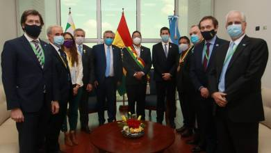 Photo of Tras la asunción de Arce, Alberto acompaña a Evo en su vuelta a Bolivia