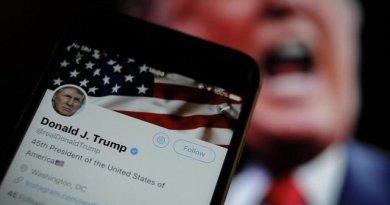 Trump firma una orden ejecutiva sobre las compañías de redes sociales y anuncia una ley adicional