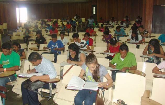 Unan León se prepara para la prueba de admisión 2017