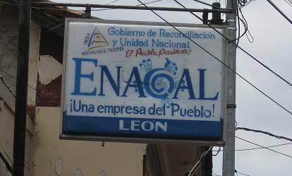 Población del Reparto San Carlos en León piden a ENACAL que no cobre servicios que no ha brindado.