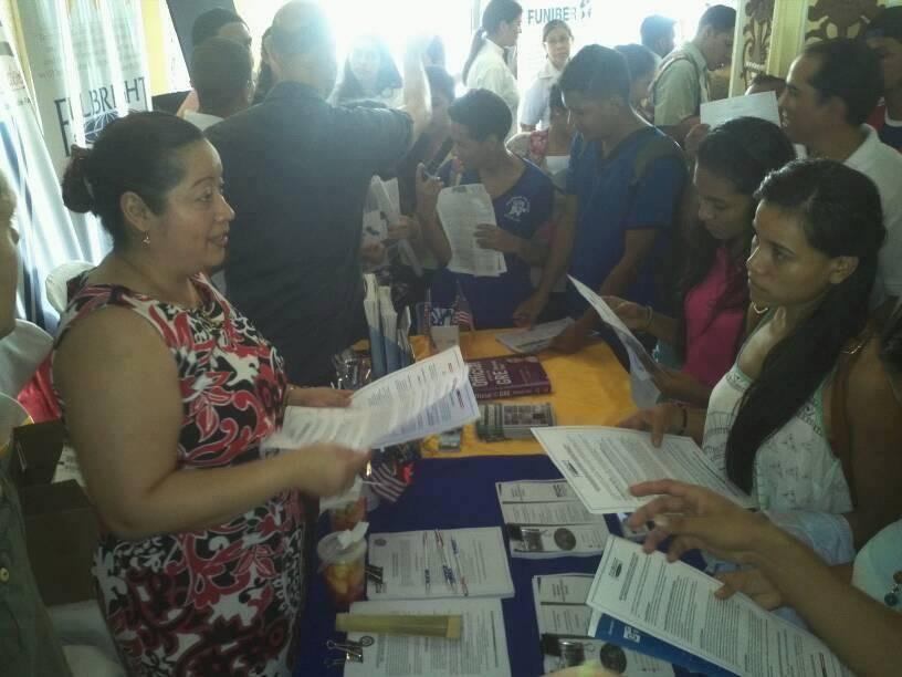 Unan León celebra XII Feria de Becas para estudios en el extranjero