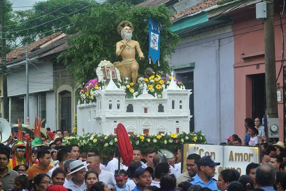 Miles celebraron a San Jerónimo en la ciudad de León