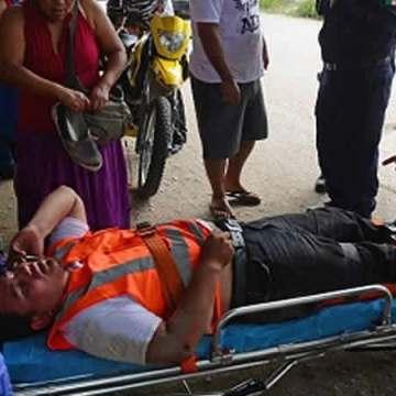 Automovil embiste a motociclista y se da a la fuga