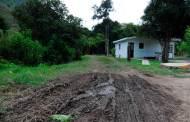 Gente de Oaxaca desmantela rancho chiapaneco
