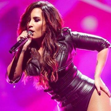 Demi Lovato hará tributo a Bee Gees en los Grammy