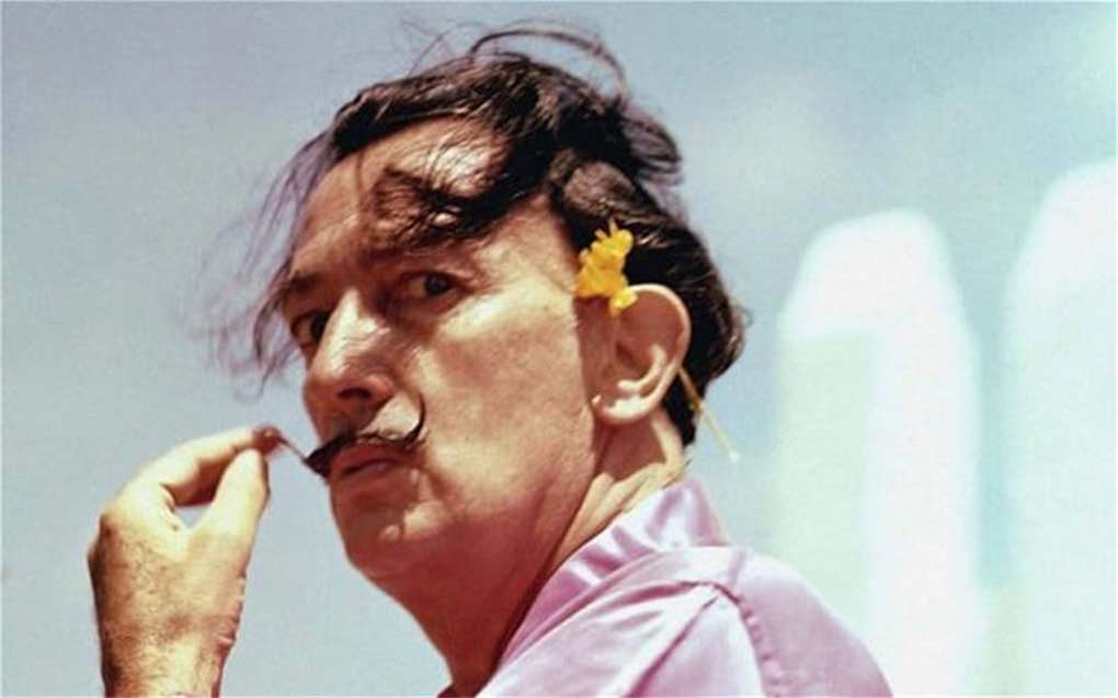 Ordenan exhumar el cadáver de Salvador Dalí por demanda de paternidad