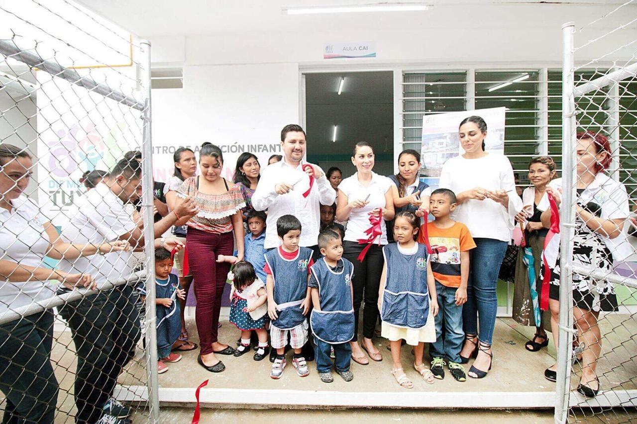 Inauguran Fernando Castellanos y Martha Muñoz Casa de Atención Infantil en Tuxtla