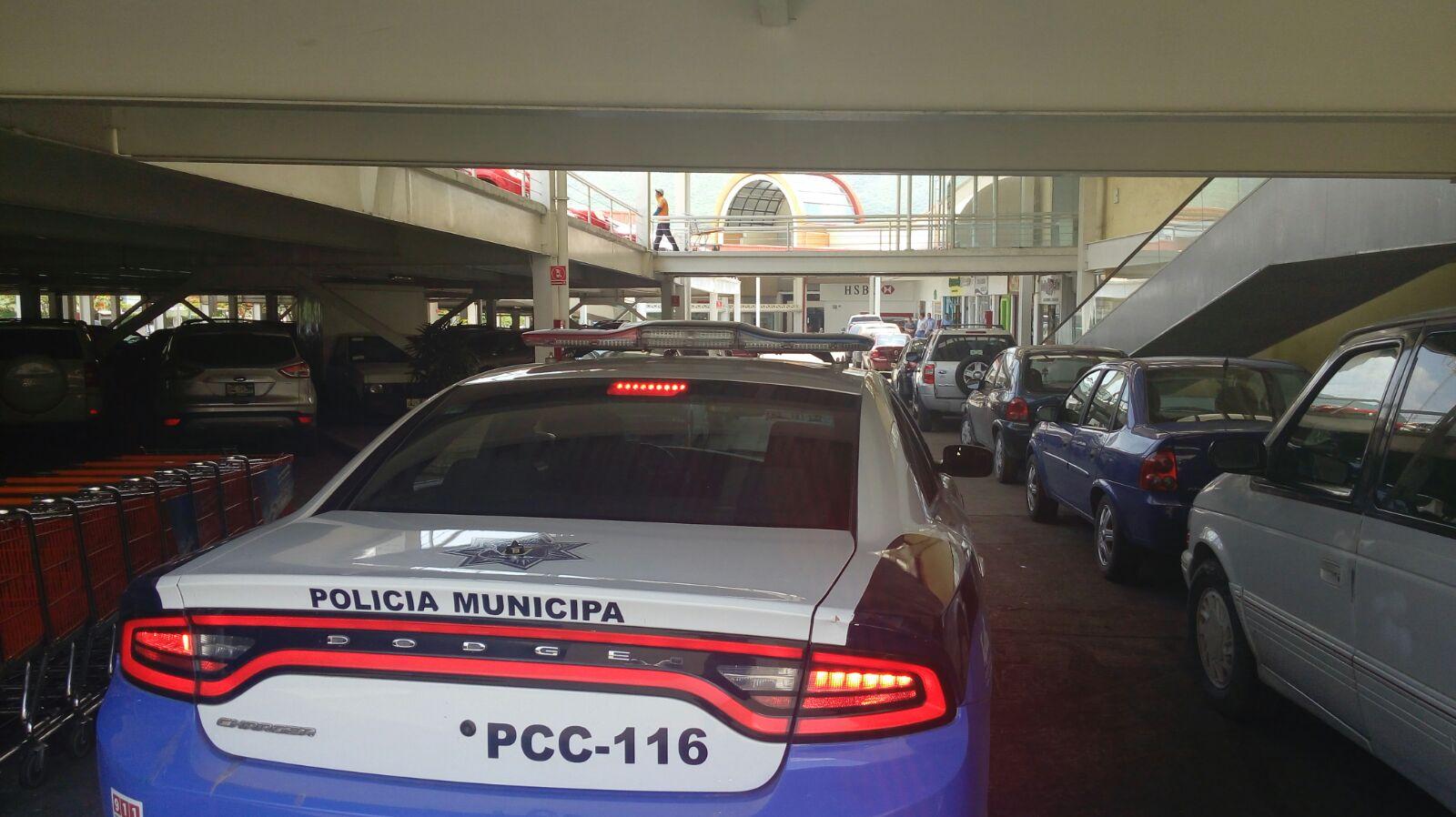 La secretaria de Seguridad Pública y Tránsito Municipal, redobla vigilancia en centros comerciales y sus alrededores