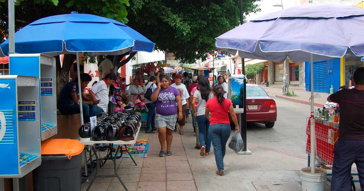 Continúan los operativos en el centro de la ciudad contra el comercio informal