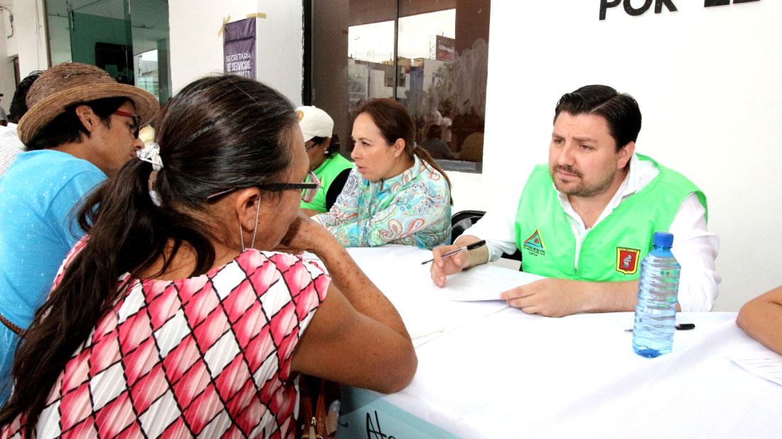 Activa Fernando Castellanos mesas de atención a damnificados