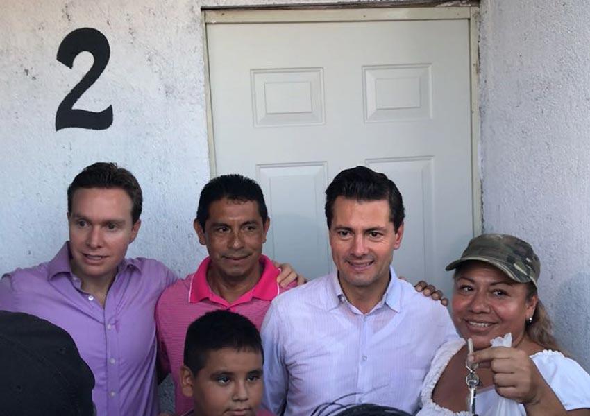 Entrega Peña Nieto casas a damnificados por sismo en Chiapas