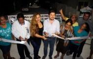 Inaugura Fernando Castellanos nuevas calles de concreto hidráulico en Tuxtla