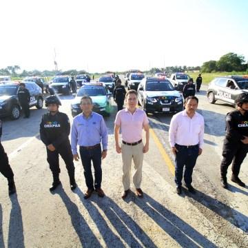 Policías de Palenque reciben patrullas equipadas