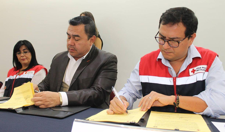 Fortalecen UNICACH y Cruz Roja cultura humanitaria