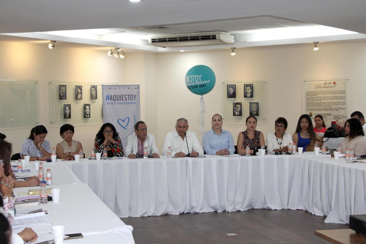 Convoca Fiscal General a ofrecer un servicio oportuno a mujeres víctimas de violencia