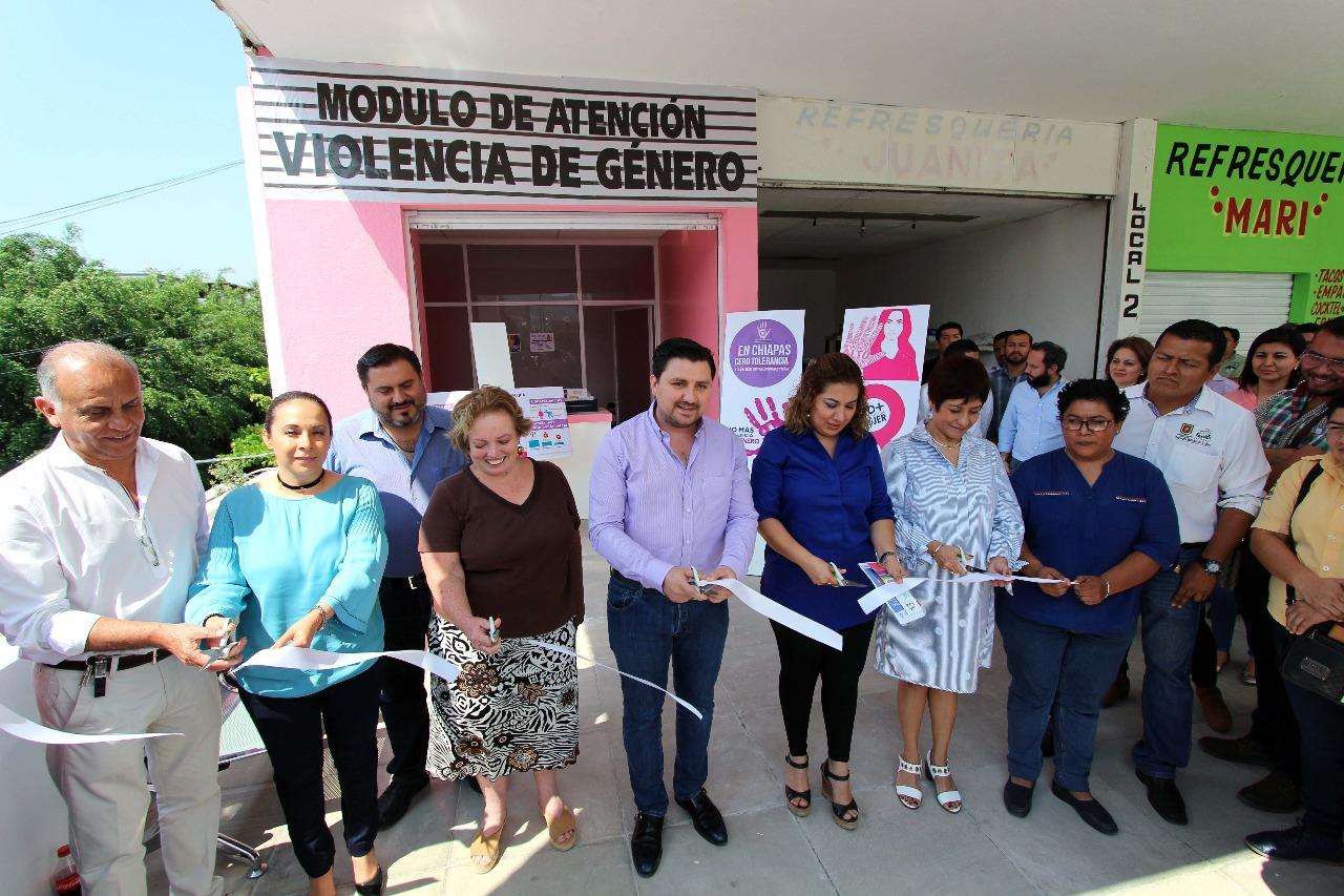 Inaugura Fernando Castellanos Módulo de Atención de Violencia de Género