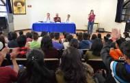 """Imparten conferencia """"Hablemos de comunicación"""" a estudiantes de UNICH"""
