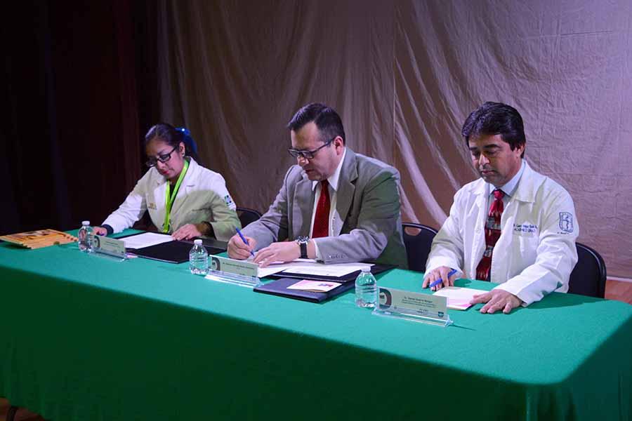Firman UNICH y la FEACOMECH convenio de colaboración