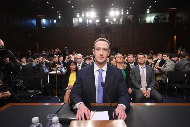 Regular redes sociales es inevitable: Zuckerberg