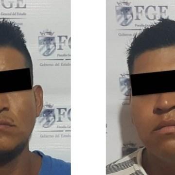 Asegura Fiscalía de Inmigrantes a dos sujetos por delito de extorsión en Tapachula